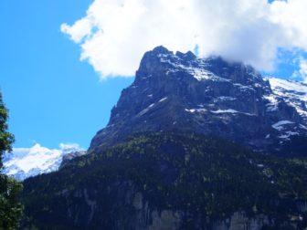【ヨーロッパレンタカー旅 その5】グリンデルヴァルトのキャンプ場から、アイガーを眺める。