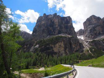 【ヨーロッパレンタカー旅 その6】ドロミテ、ガルデーナ峠とラガツォイでのトンネルトレイル。