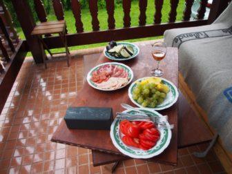 クロアチアではこんなものを食べてたよ。ザグレブのお気に入りクラフトビールレストランも。