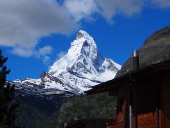 【ヨーロッパレンタカー旅 その4】ツェルマットでマッターホルン。テッシュでキャンプ。