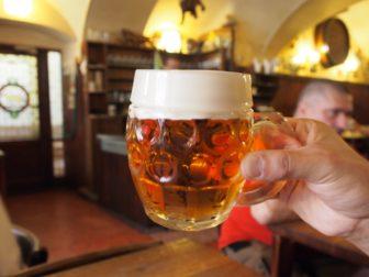 プラハで飲みまくり、おいしいチェコビールと、チェコのバドワイザー。