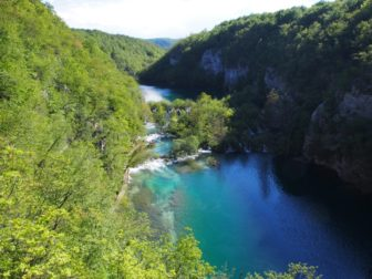 【ザグレブ発2泊3日レンタカー旅】プリトヴィツェ国立公園とワイナリー
