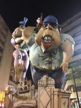 スペインの三大祭りの一つ、バレンシアの「火祭り」とは?