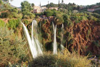 【モロッコレンタカー旅 その2】マラケシュから東へ、初日は滝のある村Ouzoud。