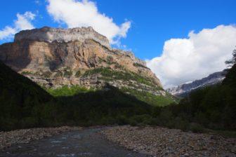 【スペインレンタカー旅 その5】ピレネー山脈、オルデサ渓谷をハイキング。キャンプ場情報あり。