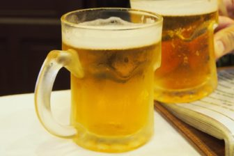 コスパ最強!ベトナム鍋をつまみに、ホイアンの世界一安いビール。あと五行山観光。