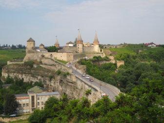 ウクライナの田舎町、カームヤネツィ・ポジーリシクィイの素敵なお城