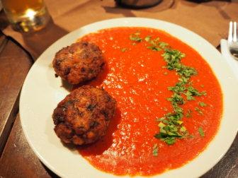 【美食の街】古都ヴェリコ・タルノヴォの観光と、おすすめのレストラン