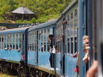 スリランカの移動まとめと紅茶鉄道、インターネット環境やSIMカードのこと